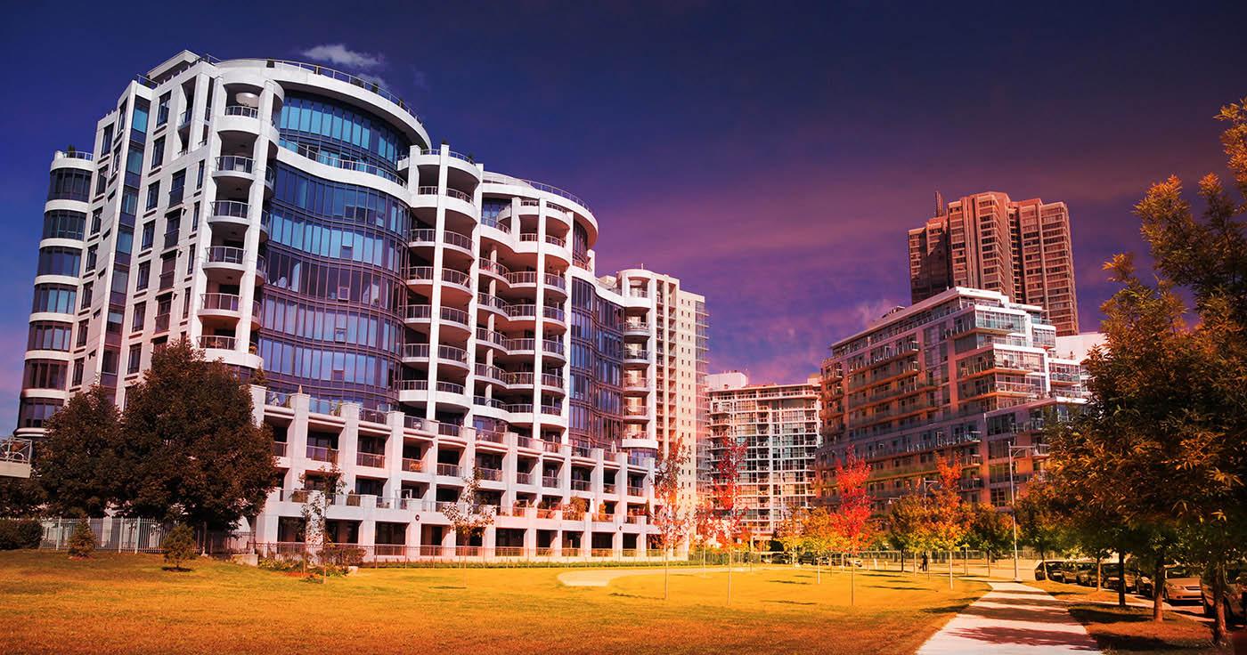Urban Condominium Park - Stock Photography