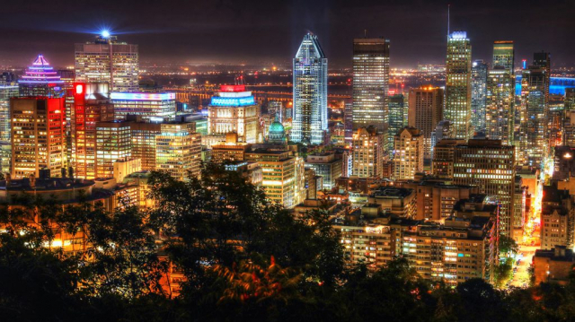 2020 Montreal City View at Night From Mount Royal Lookout - Stock Photography